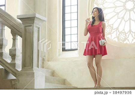 女性 ドレスアップ 38497936
