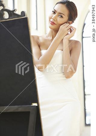 女性 ドレスアップ 38497943
