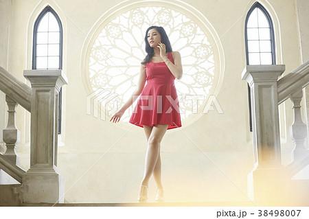 女性 ドレスアップ 38498007