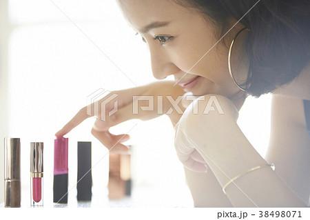 女性 メイクアップ ビューティー 38498071