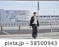 ビジネスマン 空港 会社員の写真 38500943