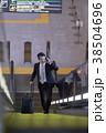 空港のビジネスマン 38504696