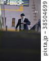 空港のビジネスマン 38504699