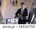 空港のビジネスマン 38504700