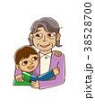 男の子とおばあちゃん 38528700