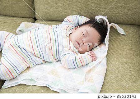 4ヶ月の赤ちゃん 38530143