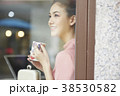 女性 カフェ くつろぐの写真 38530582