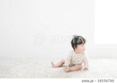 7ヶ月の赤ちゃん 38556780