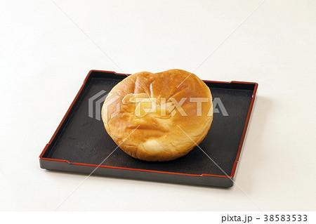 日本の菓子パン あんぱん 38583533