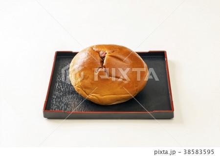 日本の菓子パン あんぱん 38583595