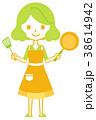 女性 料理 持つのイラスト 38614942