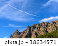 横岳の稜線と青空 38634571