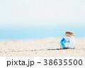 夏 瓶 砂浜の写真 38635500