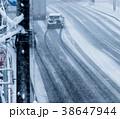 雪の道路 38647944