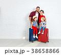 スーツケース ファミリー 家庭の写真 38658866
