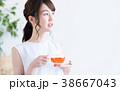 紅茶 女性 くつろぐの写真 38667043