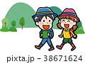 ハイキングに行く子供のイラスト 38671624