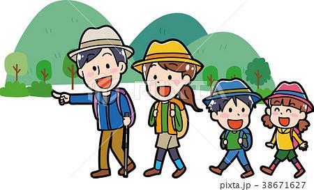 ハイキングに行く家族のイラスト素材 38671627