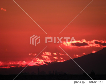 稲毛海岸の日没の後の富士山の裾野 38684943