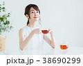 若い女性(紅茶) 38690299
