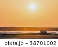 自動車 海岸 夕焼けの写真 38701002