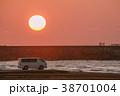 自動車 海岸 夕焼けの写真 38701004