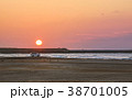 自動車 海岸 夕焼けの写真 38701005
