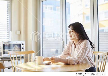 女子大生 マグカップ 生活 38706379