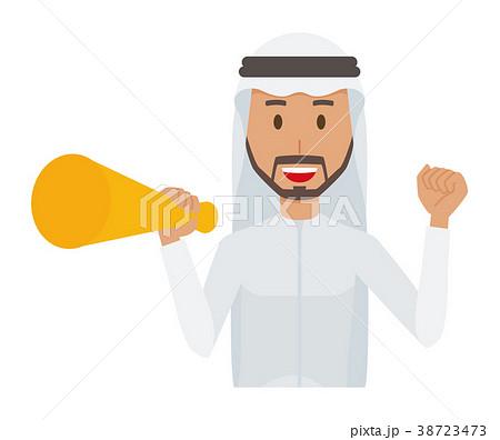 民族衣装を着たアラブの男性がメガホンを持っている 38723473