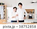 新生活 キッチン 夫婦の写真 38752858