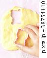 手 手作り お菓子作りの写真 38754110