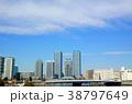 東神奈川臨海部周辺の高層ビル群と青空 38797649