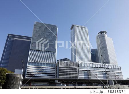 JR名古屋駅の新幹線と高層ビル 38813374