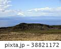 伊豆大島から眺望の富士山 38821172