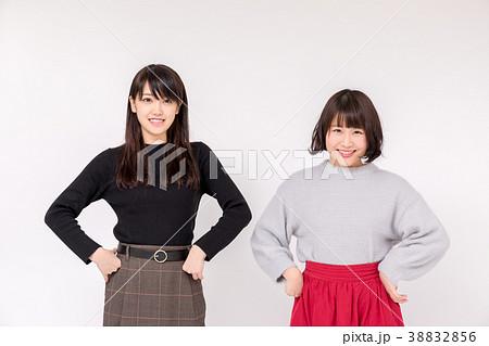 女子大生 二人 正面 38832856