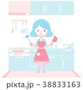 キッチンで料理の準備をする主婦 38833163