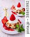 イチゴのワッフルケーキ 38845992