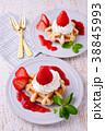 イチゴのワッフルケーキ 38845993