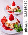 イチゴのワッフルケーキ 38846039