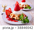 イチゴのワッフルケーキ 38846042