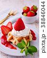イチゴのワッフルケーキ 38846044