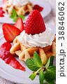 イチゴのワッフルケーキ 38846062