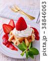 イチゴのワッフルケーキ 38846063