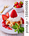 イチゴのワッフルケーキ 38846066