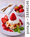 イチゴのワッフルケーキ 38846146