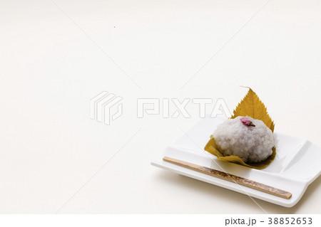 日本の生菓子 さくら餅 春の和菓子 38852653