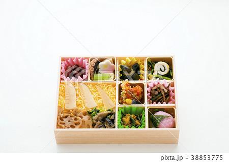 栄養バランスよい日本の彩り弁当 38853775
