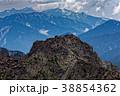 奥穂高岳から見る北穂高岳山頂と後立山連峰 38854362