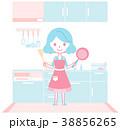 キッチンで料理の準備をする主婦 38856265