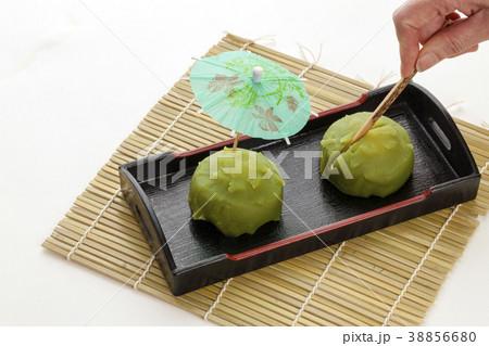 抹茶味の生菓子 日本のお菓子 38856680